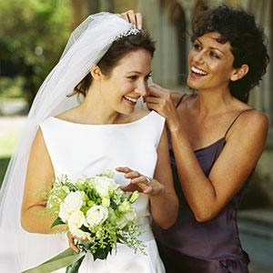 Bride and bridesmaid © Stockbyte/Photolibrary